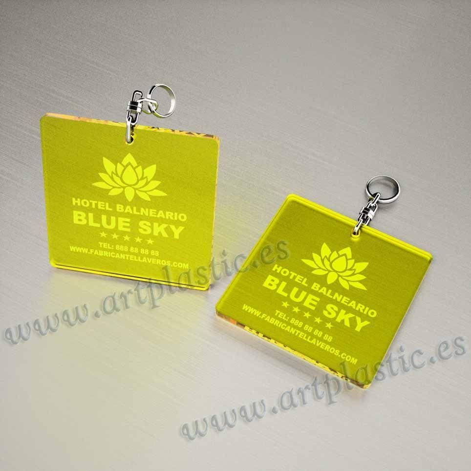 llaveros plastico personalizados originales amarillos baratos cuadrados 100x100